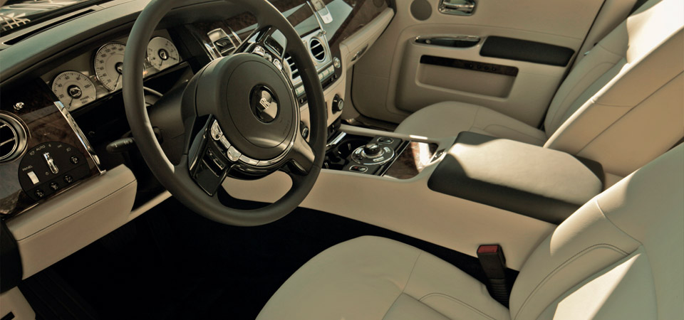 slider_rolls-royce-ghost_interior1