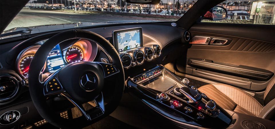 slider_self-drive-rental_mercedes-gt-interior