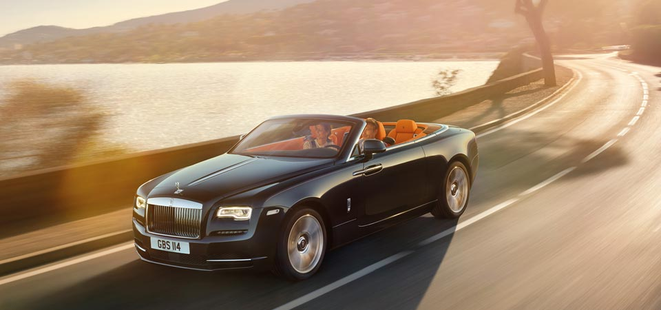 slider_self-drive-rental_rolls-royce-dawn-cruising